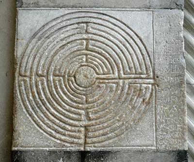 labyrinth-tuscany